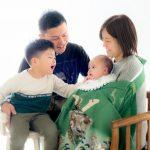 微笑ましい家族写真